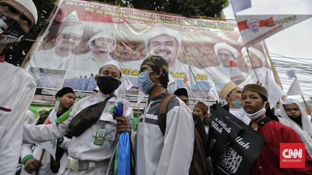 Baliho Rizieq Ajak Revolusi Masih Berdiri di Gang Markas FPI