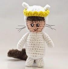 http://translate.google.es/translate?hl=es&sl=en&tl=es&u=http%3A%2F%2Fwww.ahookamigurumi.com%2Fen%2Fwhere-the-wild-things-are-amigurumi-max-free-crochet-pattern%2F