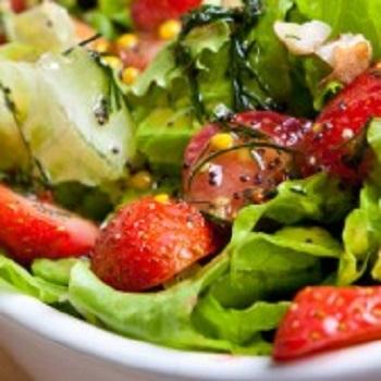 salata cu capsuni