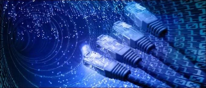 ¿Por qué algunos puertos de red son peligrosos y cómo se protegen?