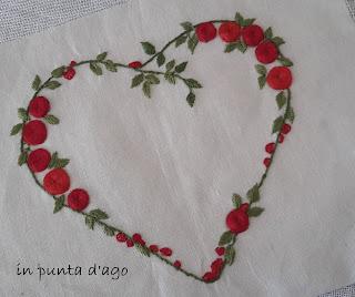 http://silviainpuntadago.blogspot.com/2019/09/un-cuore-di-rose.html