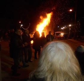 Δήμος Κατερίνης: Αναβίωσε και φέτος «το Κάψιμο του Καλικάντζαρου» στον Άνω Άγιο Ιωάννη