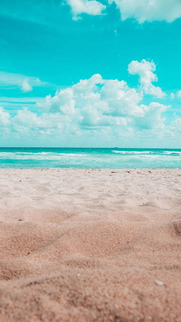 Best-Beach-Wallpaper-for-mobile-phone-and-iPhone-in-Ultra-HD-4K