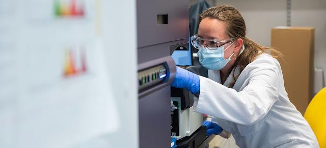 Los científicos del Instituto Jenner de la Universidad de Oxford siguen avanzando en el desarrollo de una vacuna contra el coronavirus.Universidad de Oxford/John Cairns
