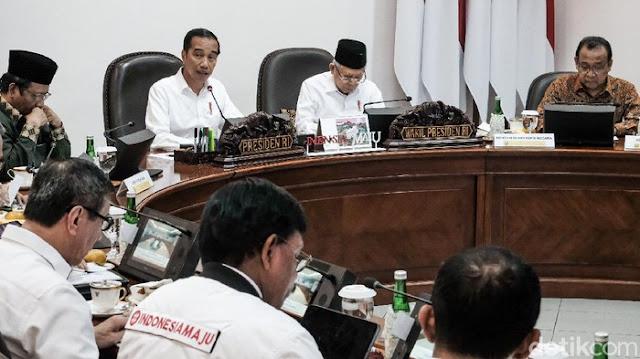 Hendri Satrio: Jangan-jangan Menteri Jokowi Pada Takut Ketemu Pedemo
