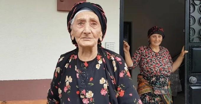 Γιαγιά 105 ετών από το Τούραλι της Τόνγιας μιλάει ποντιακά και επιβεβαιώνει ότι η διάλεκτος δεν θα πεθάνει ποτέ