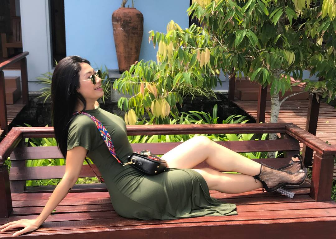 Thinzar Wint Kyaw Outgoing Fashion On Sunny Day