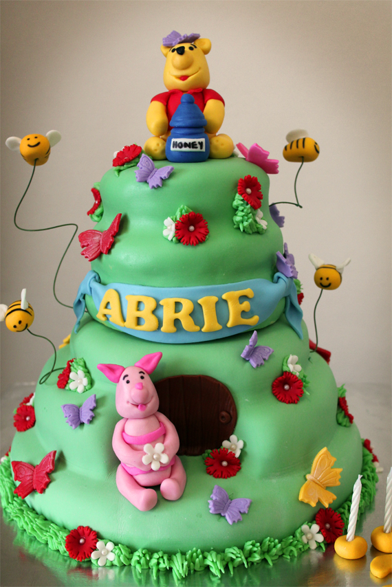 Delana S Cakes Pooh And Piglet Cake