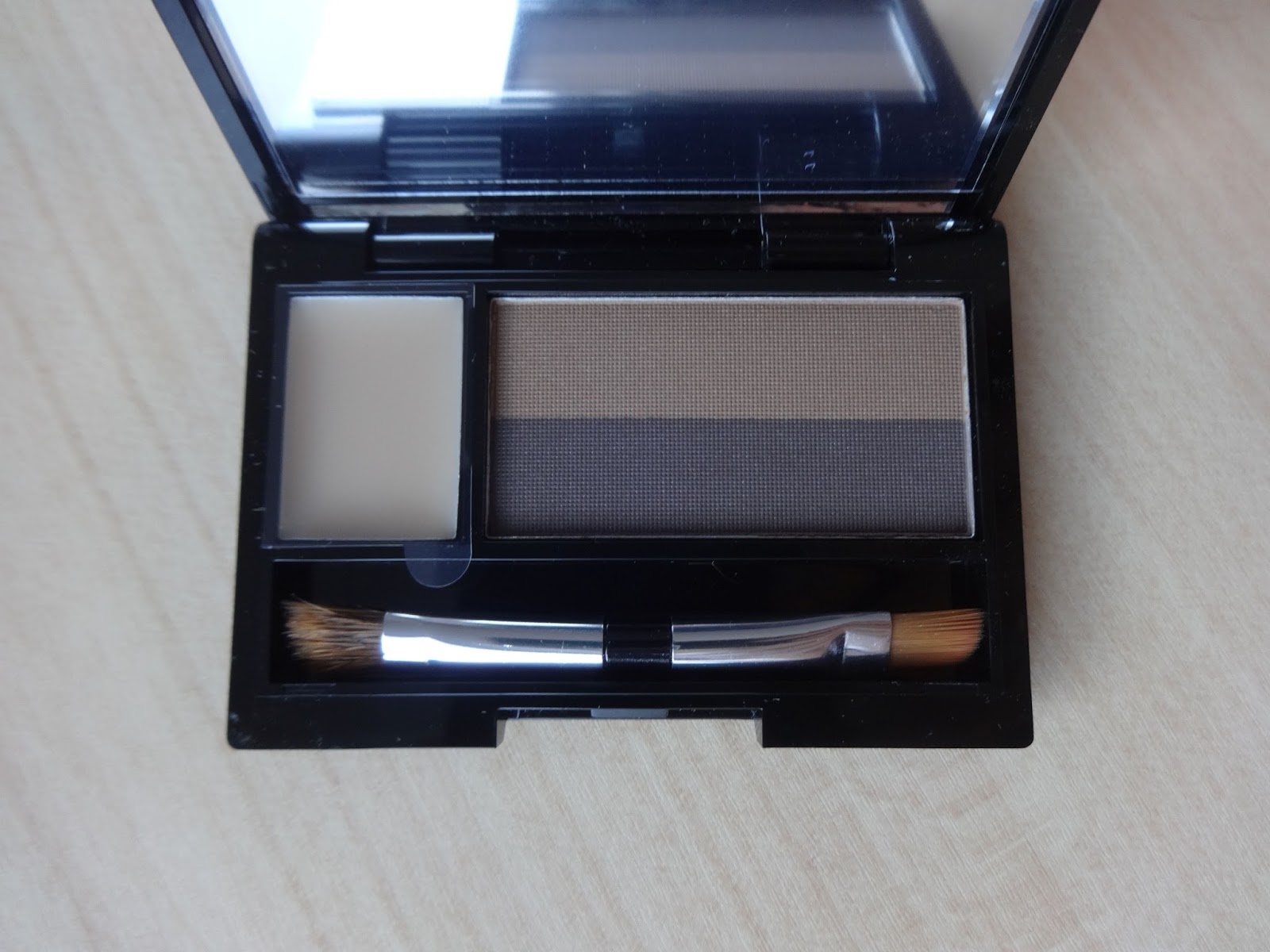 Quo Prismatic Brow Kit –  Swatch & Review
