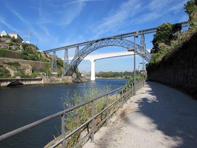 vista para o rio Douro e pontes