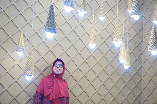 ice cream world jatim park 3, selfie, swafoto di ice cream world jatim park 3, woman with hijab