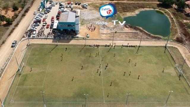 Copa Cinquentão de Futebol tem atraído um grande público na cidade de Patos - VIDEO e FOTOS