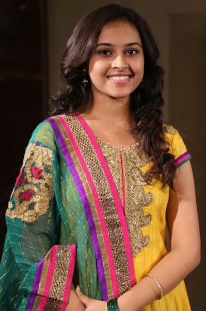 Cute Actress Sri Divya Latest Smiling Pics Actress Trend