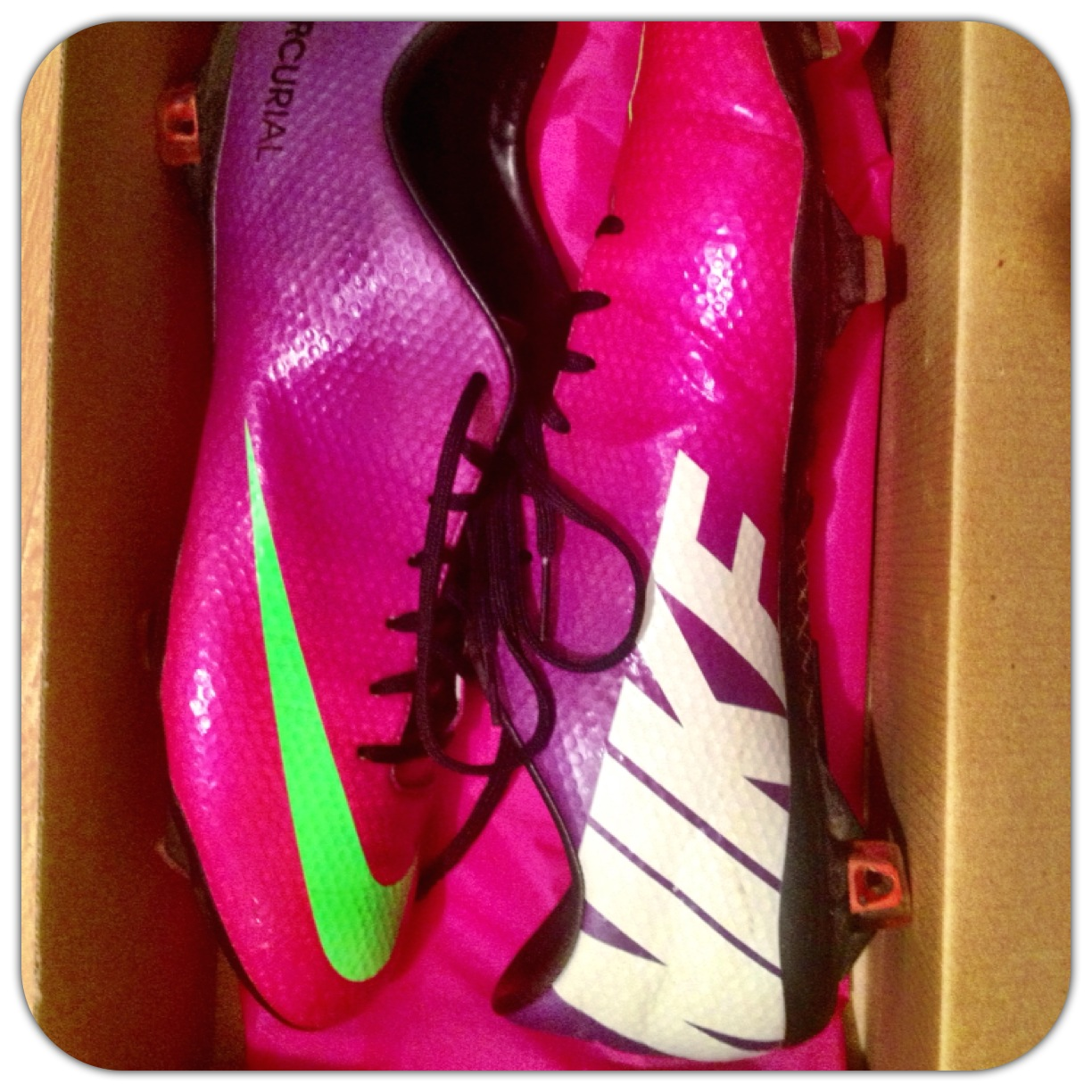 The Cross Trainer - Soccer - The Beautiful Game  Boot review  Nike ... fa4bfe5c8893