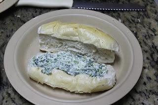Pão com a caminha de brócolis e requeisoy gorgonzola