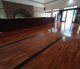 lantai kayu jati mesjid