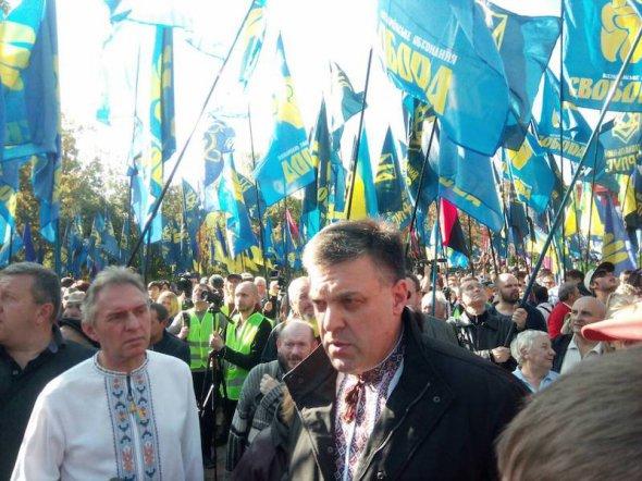 """Ми йдемо під гаслом """"Захистимо українську землю"""", а це означає – капітуляції не буде - Тягнибок"""