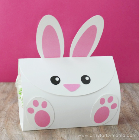 Free Printable Easter Bunny Treat Bags at artsyfartsymama.com