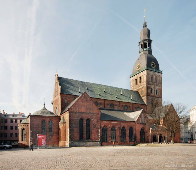 2005 год. Рига. Домская площадь и собор