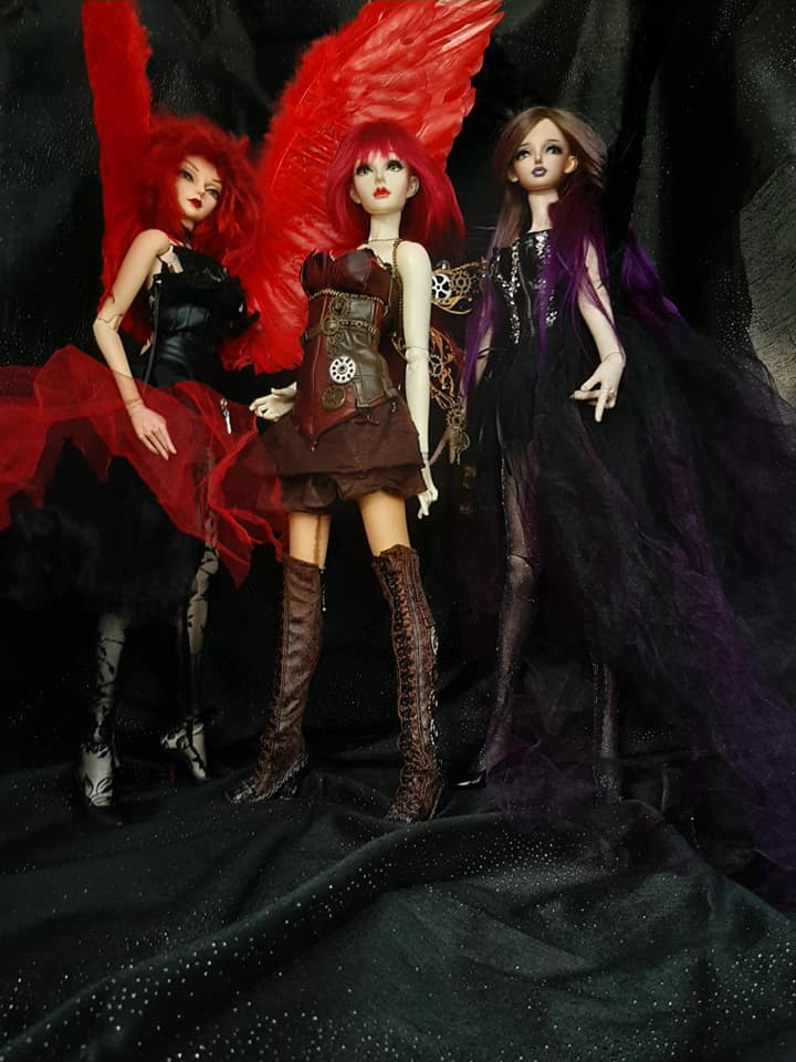 Dolls d'Artistes & others: Elfe noire p36 / Winx Club - Page 37 73075915_10220797996999434_6928259002702757888_n