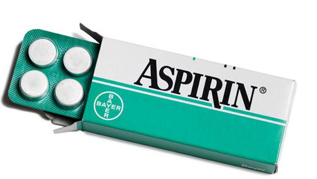 Aspirin nedir? ne işe yarar? ne için kullanılır? Aspirin içeriği nedir? aspirinin faydaları nelerdir? çiçeklere aspirin, saç bakımı aspirin arı sokmasına iyi gelir mi?