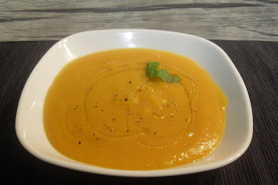 Crema de calabaza y zanahoria con especias.