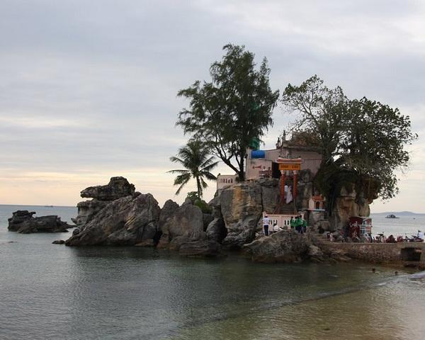 Dinh Cậu địa điểm nổi tiếng của vùng Đảo ngọc