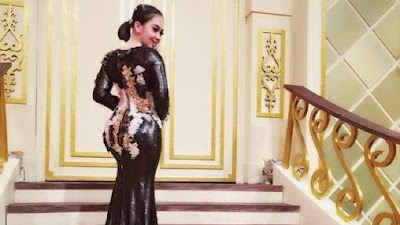 7 Artis Indonesia Dengan Pinggul Sensual dan Aduhai