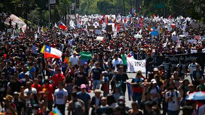 Denuncian colusión de los canales de TV y el gobierno de Chile en la cobertura informativa de las protestas