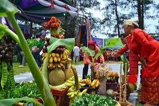 Tradisi Kenduri Laut Di Tapanuli Tengah, Sumatera Utara