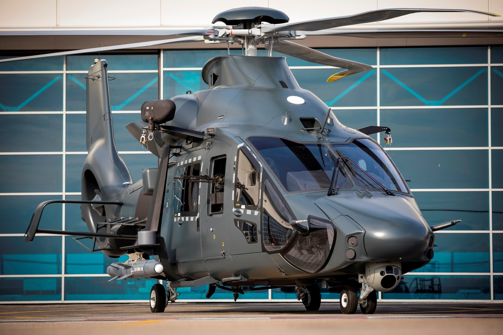 Ministério francês das Forças Armadas adianta desenvolvimento do Helicóptero Leve Conjunto   É MAIS QUE VOAR