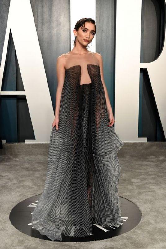 Rowan Blanchard Clicks at 2020 Vanity Fair Oscar Party in Beverly Hills 9 Feb-2020