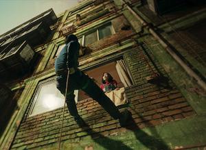 escapando de edificio