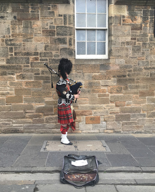 Old Town Edinburgh Bagpipes