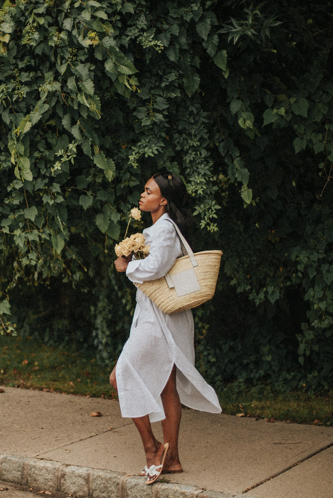 Loewe's Leather-Trimmed Woven Raffia Tote White