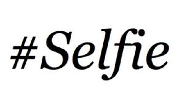 Anda Muslimah Suka Selfie, Benarkah Islam Melarangnya?