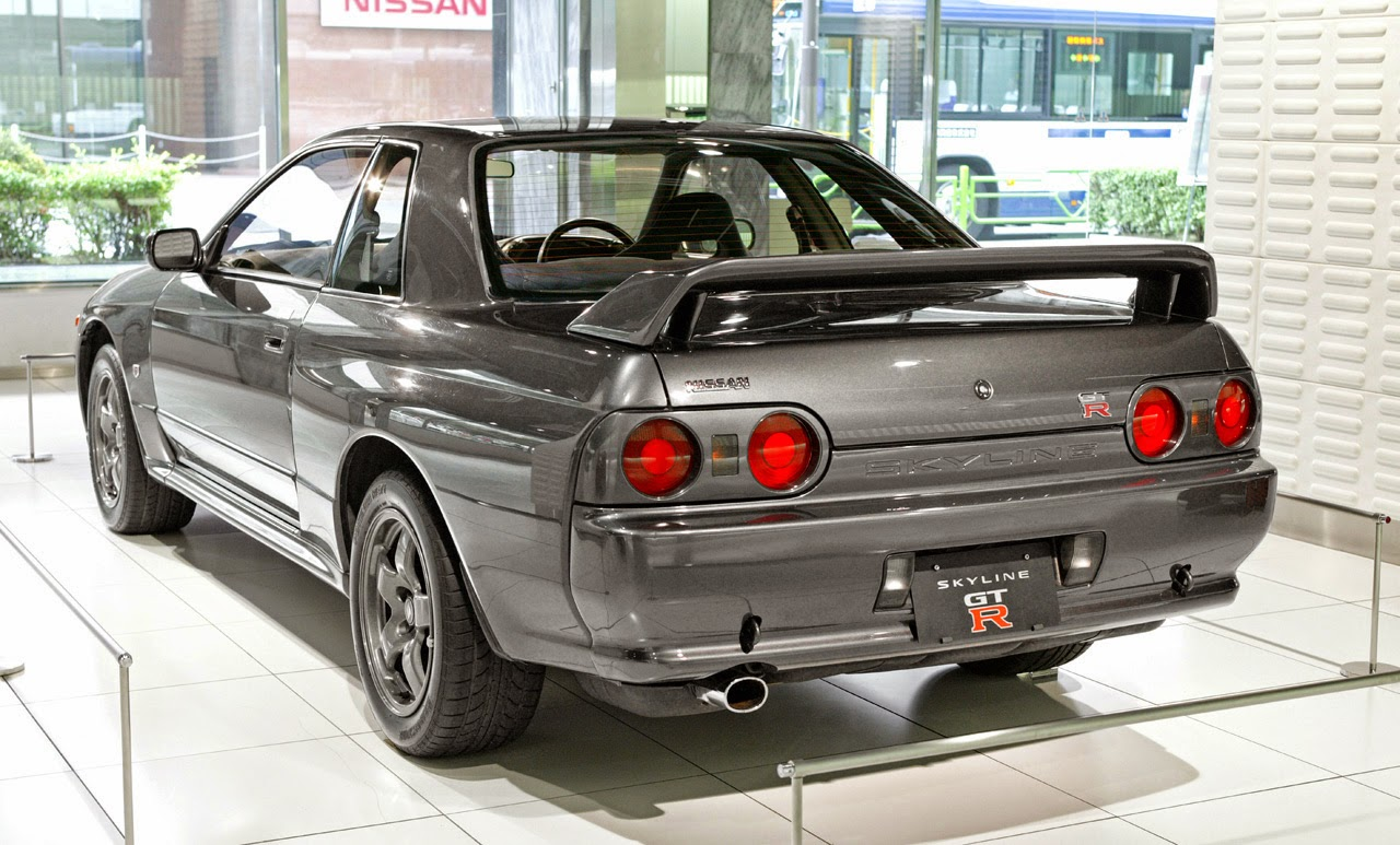 One Man's Lonely Adventures In His R33 Skyline GT-R: How The R33 GT-R Improved Upon The R32 GT-R ...
