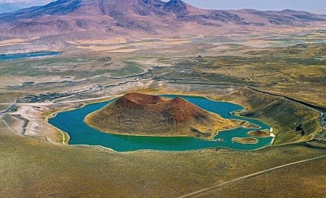 Dünya'nın Nazar Boncuğu olarak bildiği gölümüz nerededir?