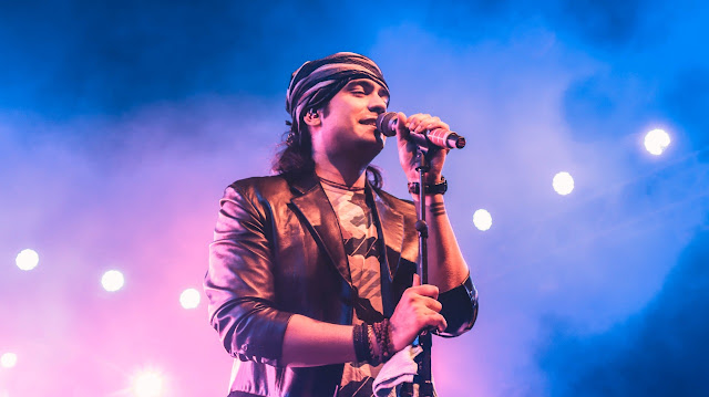 Jubin Nautiyal Biography in Hindi, Wiki, Age, Girlfriend, wife, Family