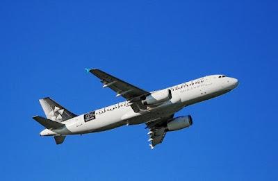 Syarat Ibu Hamil Naik Pesawat Garuda