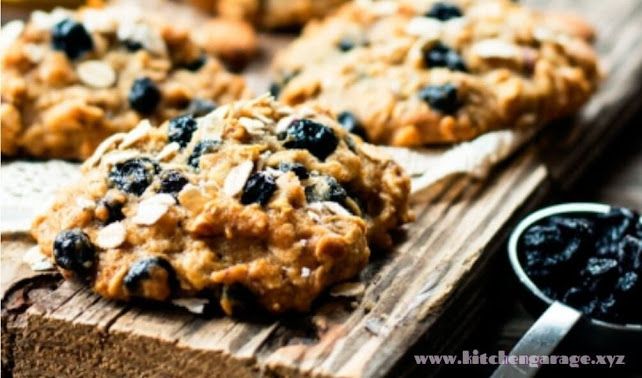 Blueberry & Oats Breakfast Cookies