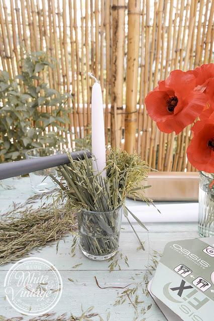 Naturdeko mit Gräsern und Blumen basteln.