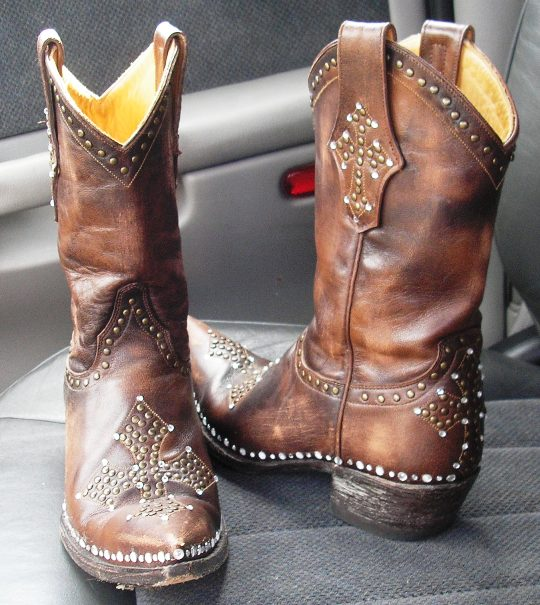 0600faec72a Haute Crafty Creations: Momma's Bling Bling Cowgirl Boots | Fashion ...