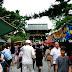 Sightseeing in Kyoto: Kitano Tenmangu Flea Market