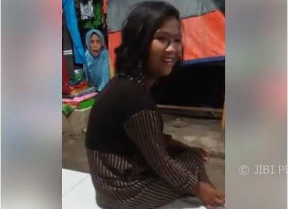Video Lucu Malikhatun Cewek Asal Brebes Yang Jadi Viral di Facebook