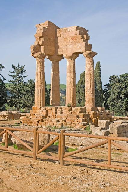 Świątynia z Dioscuri (Kastor i Polluks) Dolina Świątyń Agrigento
