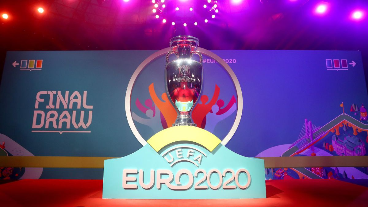 La scaramanzia corre sui social per spingere l'Italia ad Euro 2020