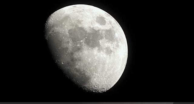 Documaster: La Luna, nuestra puerta de entrada al Universo
