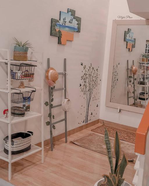 Mushola Minimalis dalam Rumah dengan Warna yang Lembut