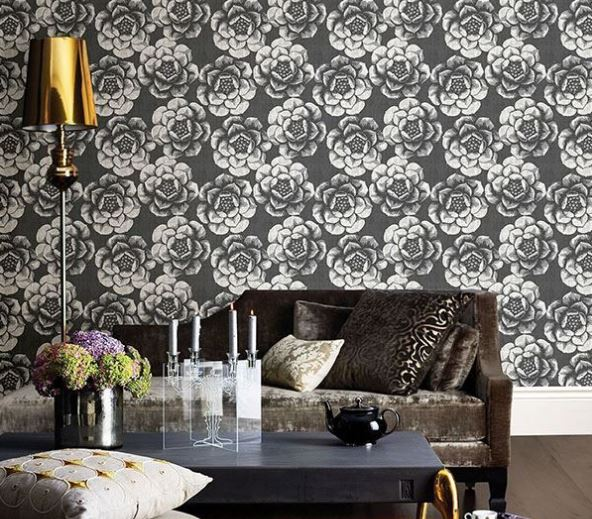 FANCIFUL FLORAL WALLPAPER